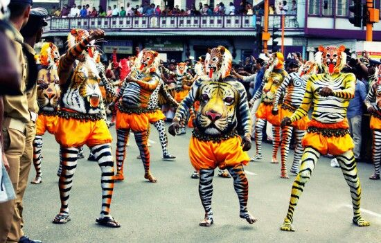 Pulikali – The Tiger Festival In Kerala (India) - See more at: http://www.themostamazingplaces.com/the-most-unique-festivals-around-the-world/#sthash.GAWuJD1F.dpuf