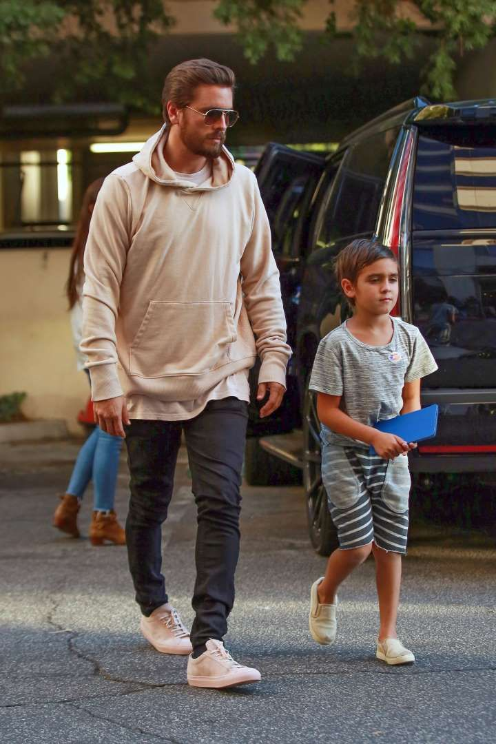 Celebs and their cute kids in 2016:       Cool dad Scott Disick was spotted out and about with son Mason in Los Angeles on Nov. 8. - WCP/FAMEFLYNET PICTURES/Fame Flynet