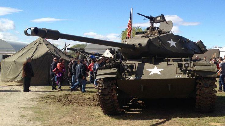 Imagen del carro M41 estadounidense durante la recreación histórica que ha tenido lugar.