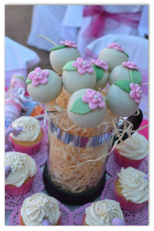 Cake pops. Made by The Dotted Apron Bloemfontein. https://m.facebook.com/profile.php?id=703914623013978&refsrc=https%3A%2F%2Fwww.facebook.com%2Fpages%2FThe-Dotted-Apron%2F703914623013978