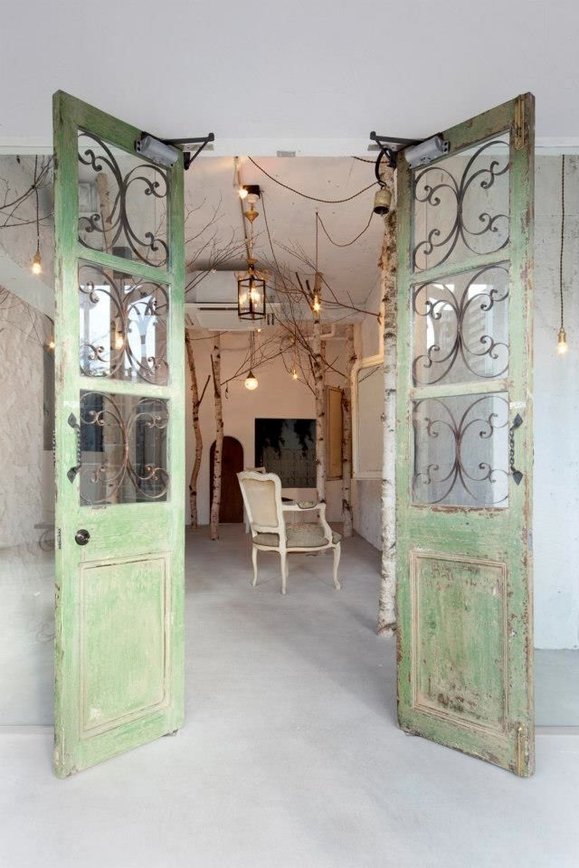 A Verdant Hair Salon in Japan : Remodelista.  I adore the trees, this would be lovely in a boutique clothing store as well.