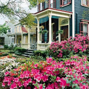 The Azalea Festival is one of the most anticipated events in Wilmington every spring. Look at these pictures and you'll see why! #CompassPointeNC #resortliving