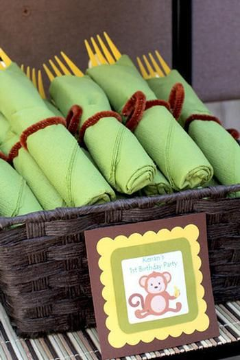 Monkey Party- love the wraps around the napkins. brown pipe cleaner, green napkin, yellow cutlery