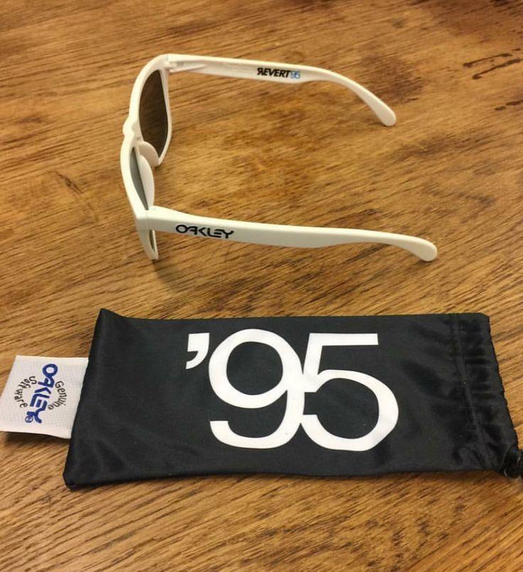 New Release: Revert95 x Oakley Frogskins Sunglasses - http://www.oakleyforum.com/threads/new-release-revert95-x-oakley-frogskins.55712/