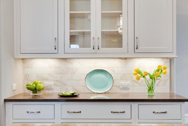 Kitchen Lighting Design Tips >> http://www.diynetwork.com/how-to/rooms-and-spaces/kitchen/kitchen-lighting-design-tips