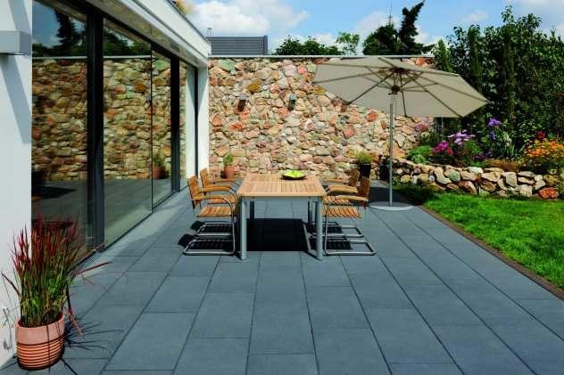 die besten 25 terrassenplatten in holzoptik ideen auf pinterest terrassenb den balkon. Black Bedroom Furniture Sets. Home Design Ideas