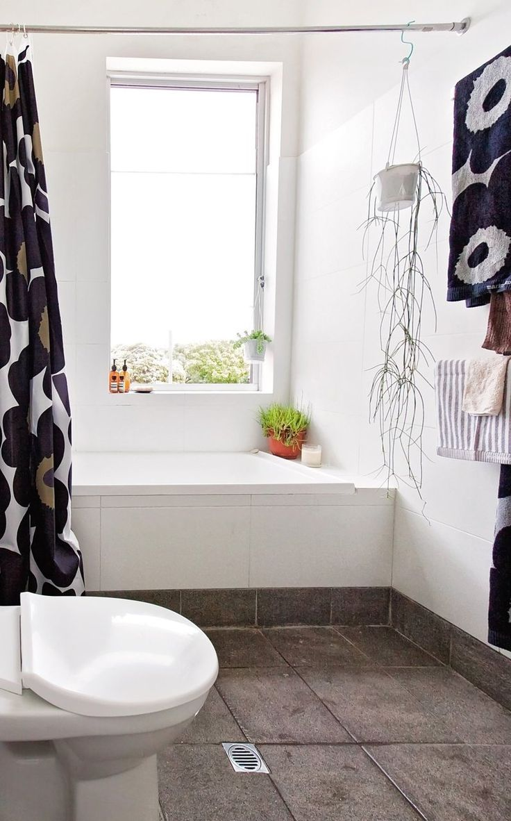Modern gold and brass fixtures for the bathroom apartment therapy - Beci Raph S Art Filled Home In Australia