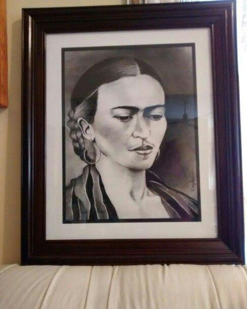 Frida Kahlo ~Carboncillo   ♡Keny Vels