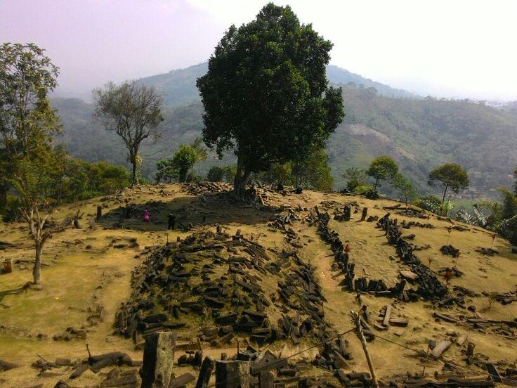 Situs Megalitikum, gn.Padang