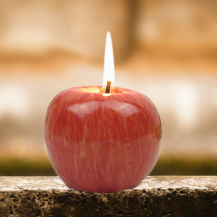 Red Apple Candle //Price: $8.99 & FREE Shipping //     #housedecor