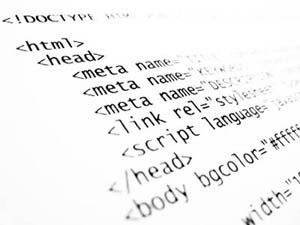 L'insieme delle attività e delle tecniche utilizzate per creare un programma da far eseguire ad un computer prende il nome di programmazione. Un programma è una sequenza ordinata di comandi, istruzioni ed operazioni che caricate nella memoria di un computer vengono da esso eseguite.