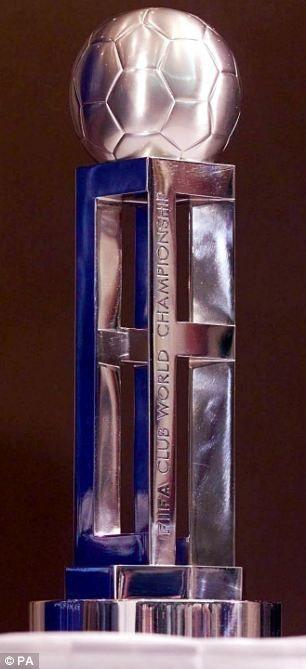 Resultado de imagem para world cup clubes FIFA 2000 trophy