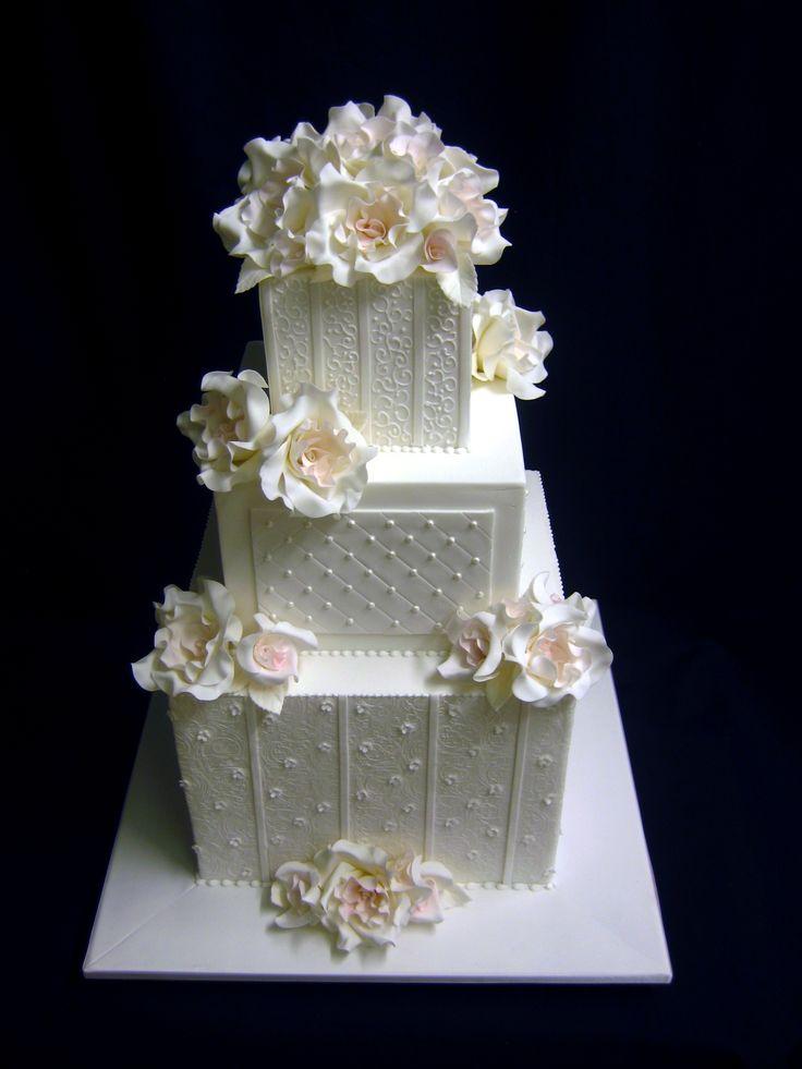 17 migliori idee su torte nuziali a piani su pinterest for Piani di idee di progettazione seminterrato