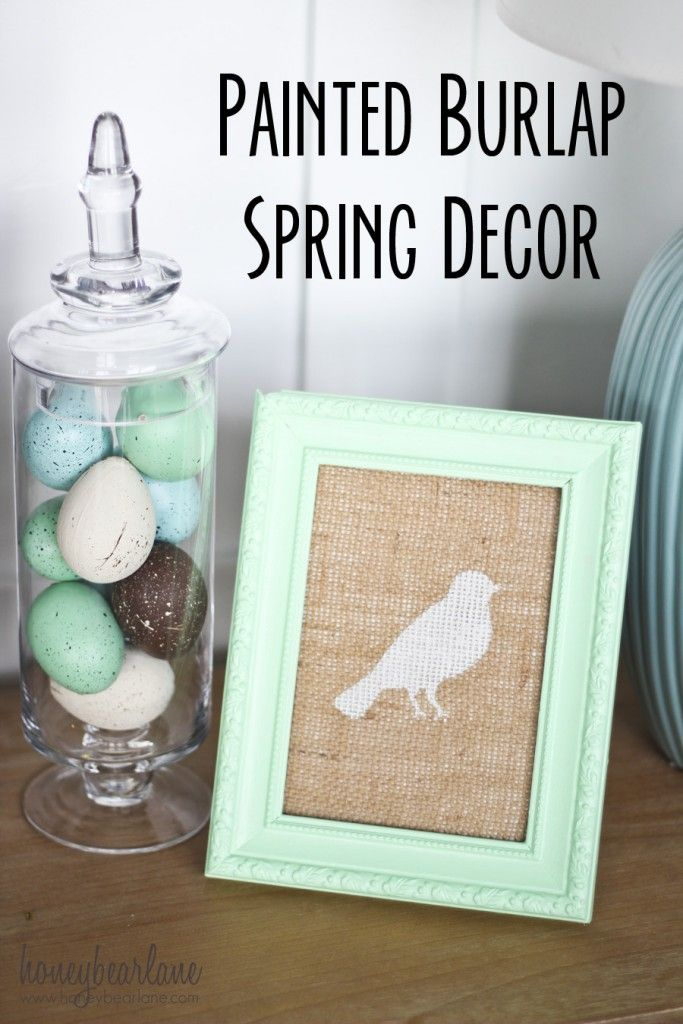 Honeybear Lane | Painted Burlap Spring Decor #decoartprojects #madeformakers #americana