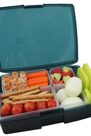 A grown-up LUNCH BOX, for packing healthy food to go. | 15 Awesome Gifts For Anyone Who's Trying To Eat Healthier