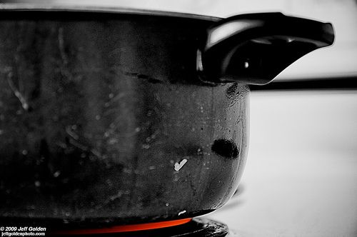 The Watched Pot Syndrome - what you might not realize is causing a slow or stalled labor. #birth