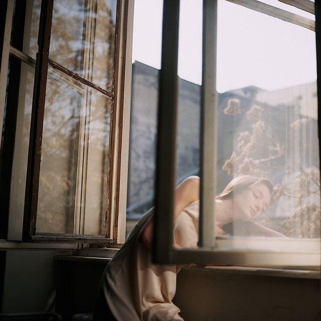 Shooting Film: Beautiful Fashion Portrait Medium Format Film Photography by Hannah Häseker
