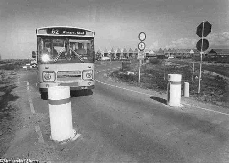 Eerste gescheiden busbaan in Almere Stad