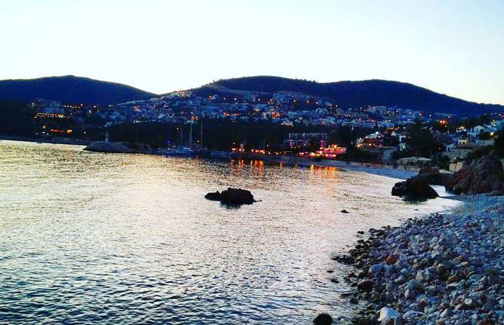 😃 Güzel Kalkan'dan herkese iyi akşamlar. 😍 😃Good evening from lovely Kalkan.😍   #evening #akşam #sea #deniz #city #şehir #ışıklar #yansima #reflection #landspace #manzara #plaj #beach #tatil #holiday #yaztatili #summer #picoftheday #photoftheday #kalkan #kaş #antalya