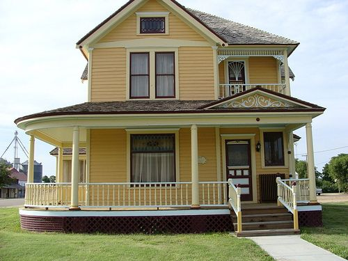 1000 ideas about yellow house exterior on pinterest - Beautiful exterior house paint colors ...