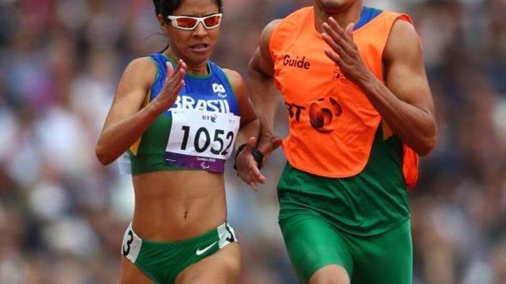 Jerusa Santos ficou atrás de Terezinha Guilhermina e levou a prata para o Brasil nas Paralimpíadas