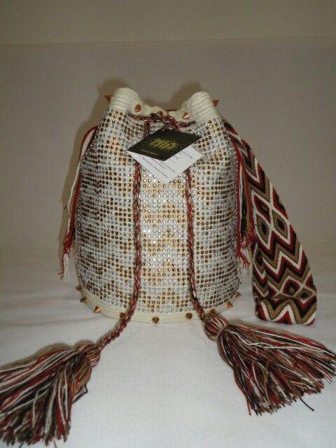 Mochilas wayuú decoradas con cristales inf (57) 3102629820
