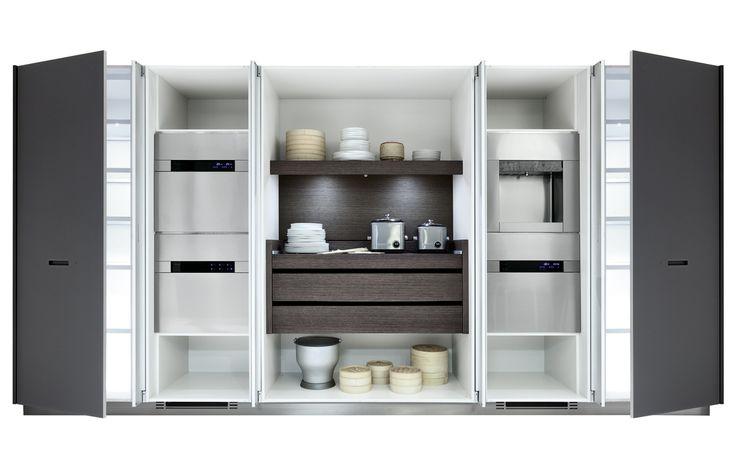 Kyton varenna by poliform kitchen by square space - Cucine con ante scorrevoli ...