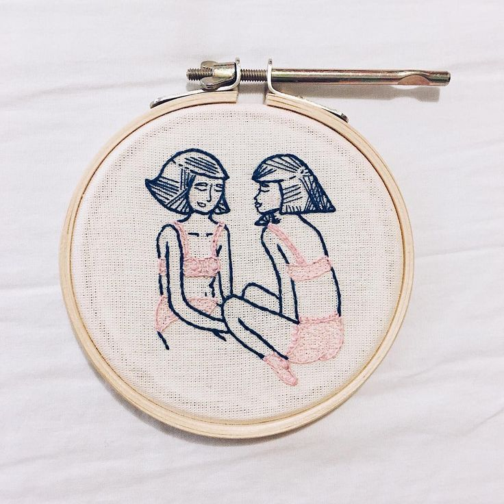 confessions d'amis / ombro amigo  #bordado #bordadolivre #embroidery #nani #nanibroderie #comtemporaryembroidery #lingerie #models #girlsembroidery #illustration #socks #friendsconfessions #bra #panties #ombroamigo #autoestima #feitoamao #fashionrevolution #girlpower #whoruntheworld #artesmanuais #diy #decor #homedecor #diydecor