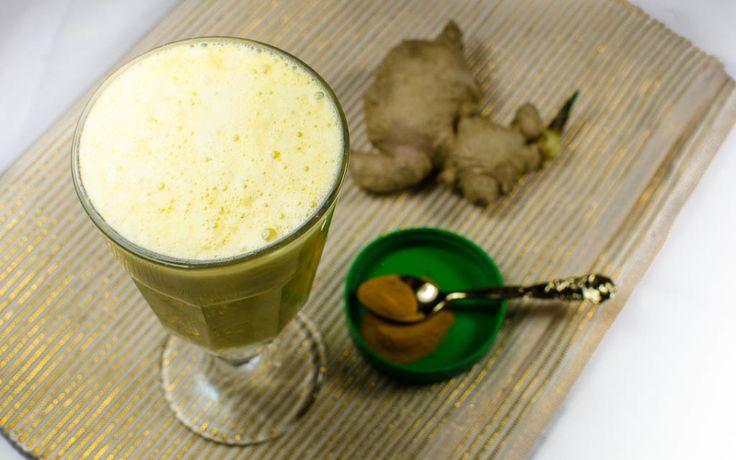 Golden Milk Shake mit Kurkuma Teilen Mail Kurkuma in einem Getränk klingt gewöhnungsbedürftig. Ganz gegen diese Annahme schmeckt es lecker und ist aufgrund seiner entzündungshemmenden Wirkung ein tolles Naturheilmittel.