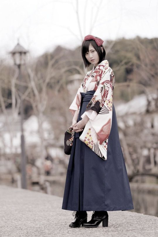 Komon hakama 小紋袴袴 - Model : Yukare ゆかれ - Japan - 2016 Source twitter.com/paristrios