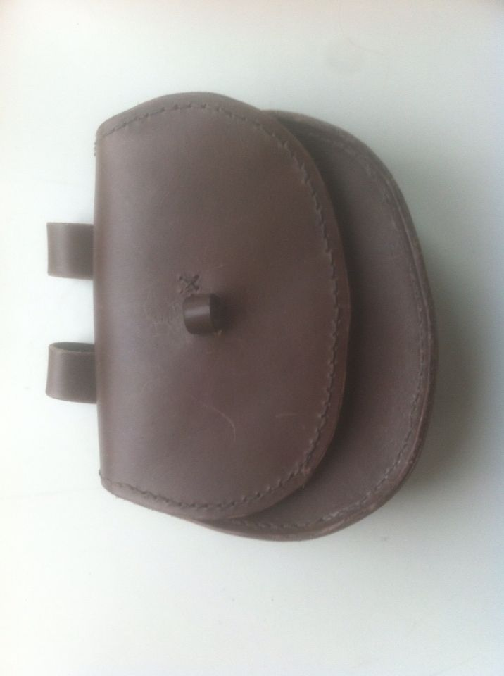 Leather pouch for viking reenactment - very askew, one of my first leather projects