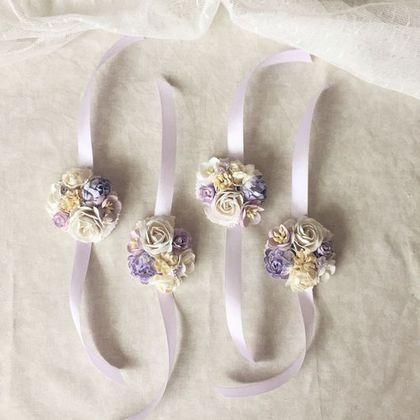 Купить или заказать Браслет для подружки невесты - Fleurs dlicates в интернет-магазине на Ярмарке Мастеров. Нежные браслетики в комплект к веночку или как самостоятельное украшение, например, для фотосессии или подружек невесты. Стоимость одного браслетика 700, от 5 шт включительно - 650р. Вы будете первыми узнавать о моих новинках, если нажмете «Добавить в круг», на панельке слева.