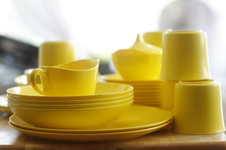 FREE SHIPPING...... Vintage 36-Piece Oneida Deluxe Dishes Melmac Melamine Yellow Dinnerware Set by ICABYBoutique on Etsy