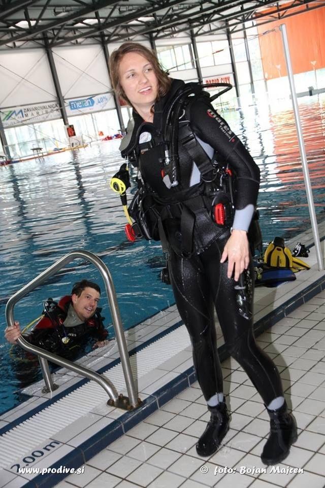 Modern diving suit