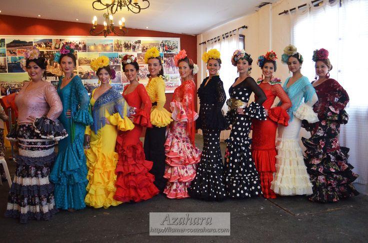 #trajesdeflamenca #desfile #rojo #negro #lunares #flores #complementosdeflamenca #amigas #modelos