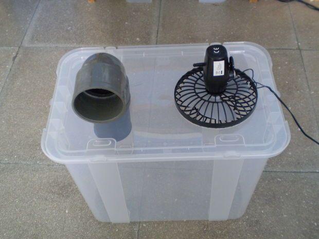 #diy #air conditioner #エアコン(Via:   Simple Cheap Air Conditioner(Cooler)  )ないす、あいであ!保冷材を中に入れれば、アリですね( ̄ー ̄)ニヤリ