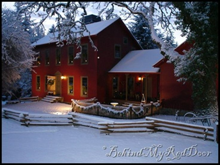 Dream home in the winter: Holiday, Colonial Homes, Dream Homes, Dream House, Winter Wonderland, Country Christmas, Red Houses, Saltbox Houses