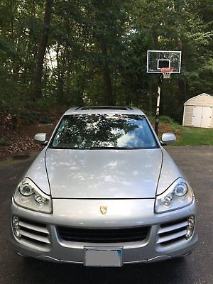 2008 Porsche Cayenne S uper Clean In and Out, Fast and Recently Serviced!