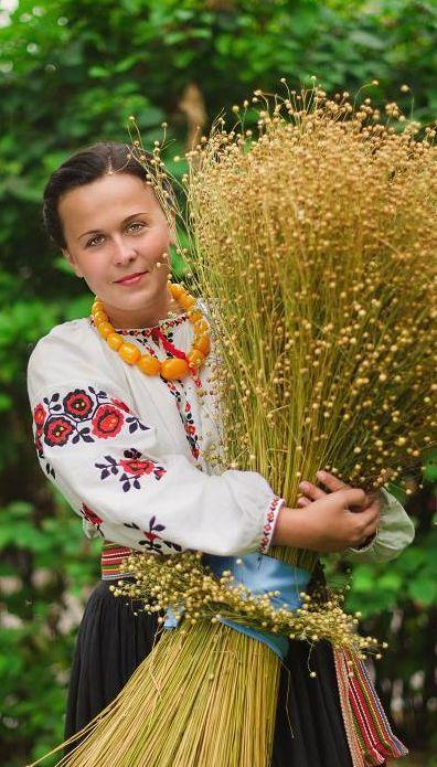 Photo by Anna Senik, www.ladna-kobieta...Ukraine, from Iryna