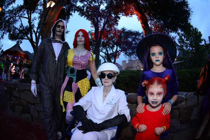 Our Nightmare Before Christmas family costume for the 2016 Mickey's Not So Scary Halloween Party at Walt Disneyworld!