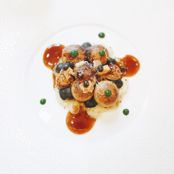 Gratinated Onions at Le Cinq by @ raysison