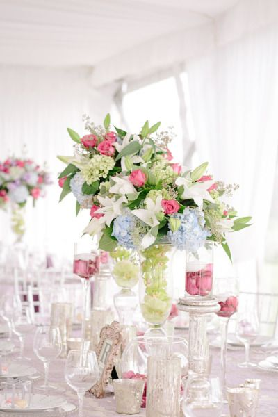 Spring blooms: http://www.stylemepretty.com/kentucky-weddings/2015/03/18/elegant-kentucky-farm-wedding/ | Photography: Melanie Mauer - http://www.melaniemauer.com/