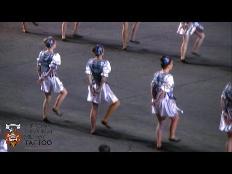 Edinburgh Tattoo 2014 - The last Mohican - YouTube