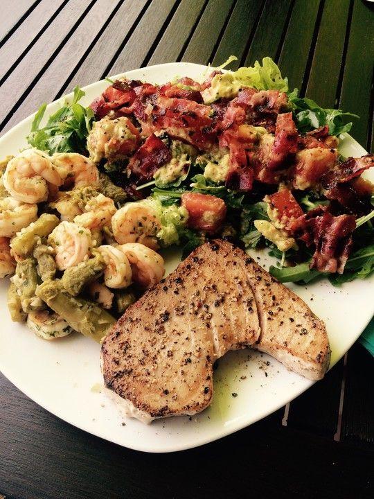 Thunfischsteak mit Avocadosalat, ein sehr leckeres Rezept aus der Kategorie Braten. Bewertungen: 3. Durchschnitt: Ø 3,2.