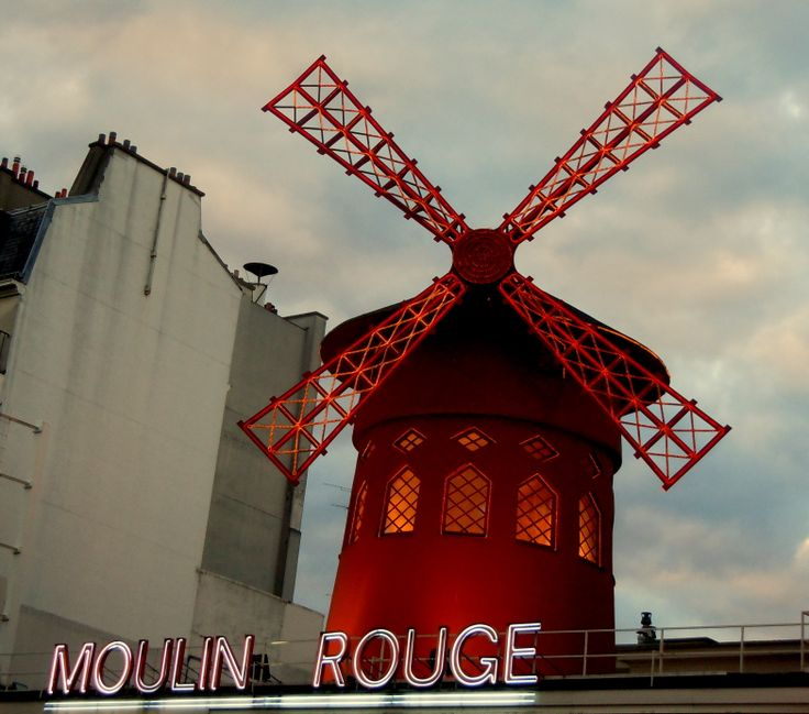 Moulin Rouge (Photo by Lexi McKenzie)