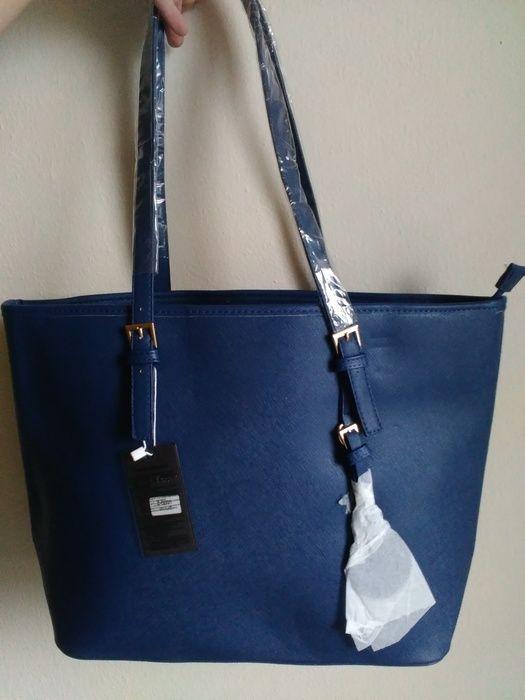 Kabelku NEMĚNÍM  Kabelka drží tvar.  Rozměry dna: 14x35 cm  Šířka: 35 - 47 cm  Výška: 31 cm  Výška s uchy: 60 cm  #modraka...