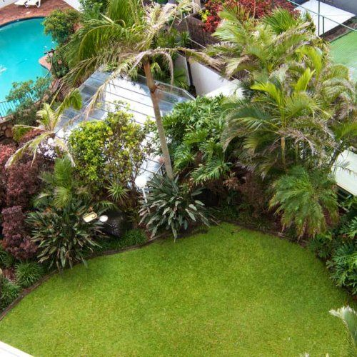 Ocean Royale - Lush Garden - Broadbeach Holiday Resort