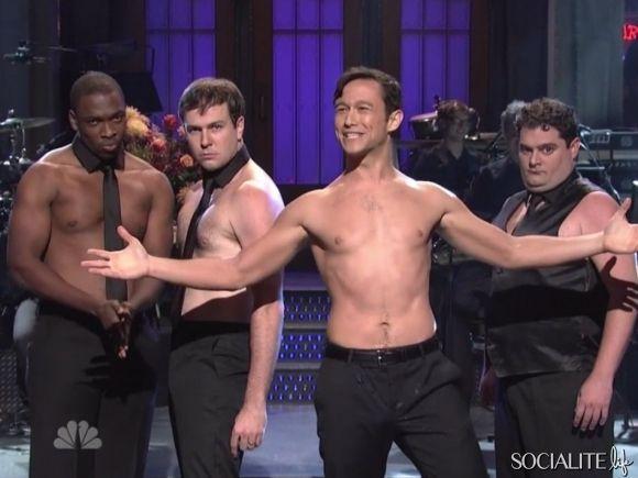 Joseph Gordon-Levitt Shirtless On 'Saturday Night Live'