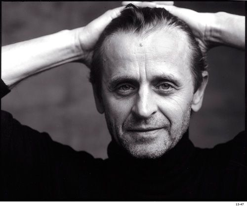 Mikhail Baryshnikov by Annie LeibovitzMikhail Baryshnikov, Ballet Dancers, Famous People, Favorite Entertainment, Annie Leibovitz, Beautiful People, Famous Face, Misha, Mikhailbaryshnikov