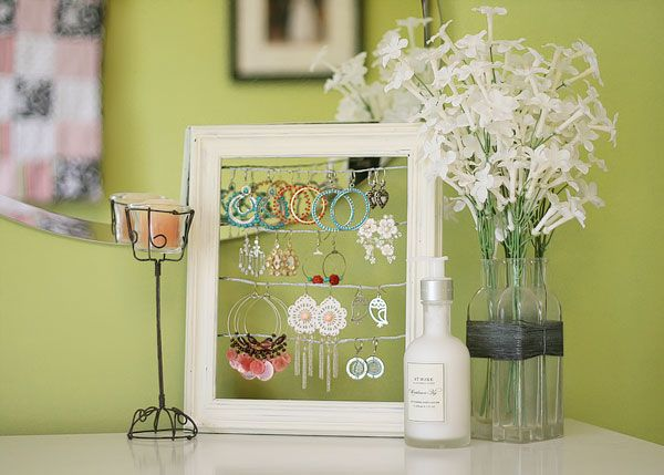 A shabby chic dangly earring display! I need to get off my butt and make this so I don't lose any of my earrings! What a nice idea. :)  #crafts  #jewelry